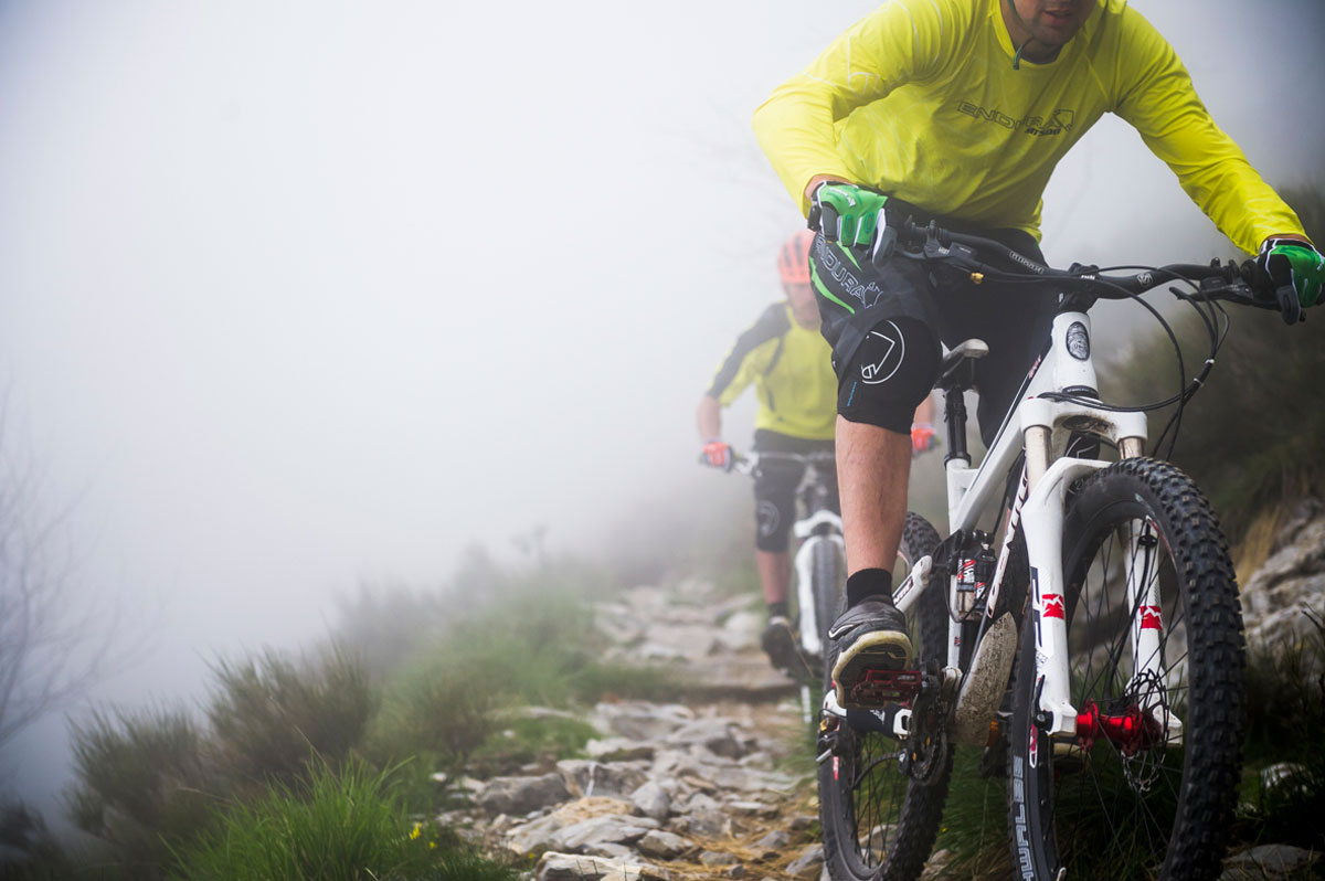 Singletrack Knee Protectors for rough terrain