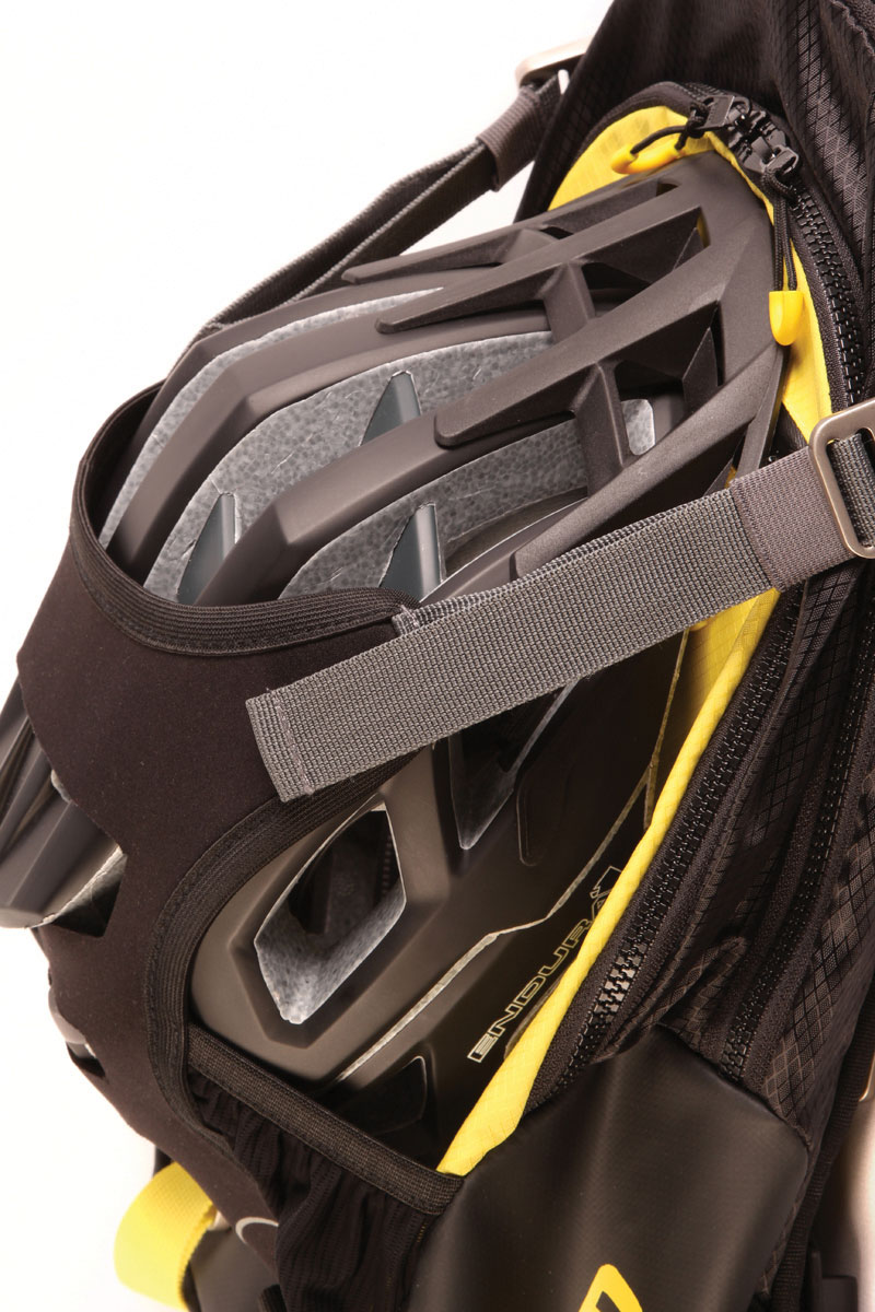 Adaptive Helmet Carry System for full face and standard helmets