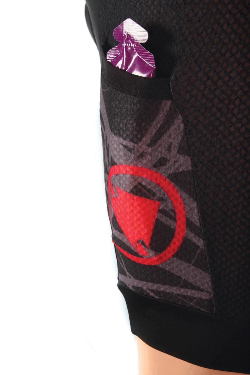 Rear bib pocket and gel leg pocket