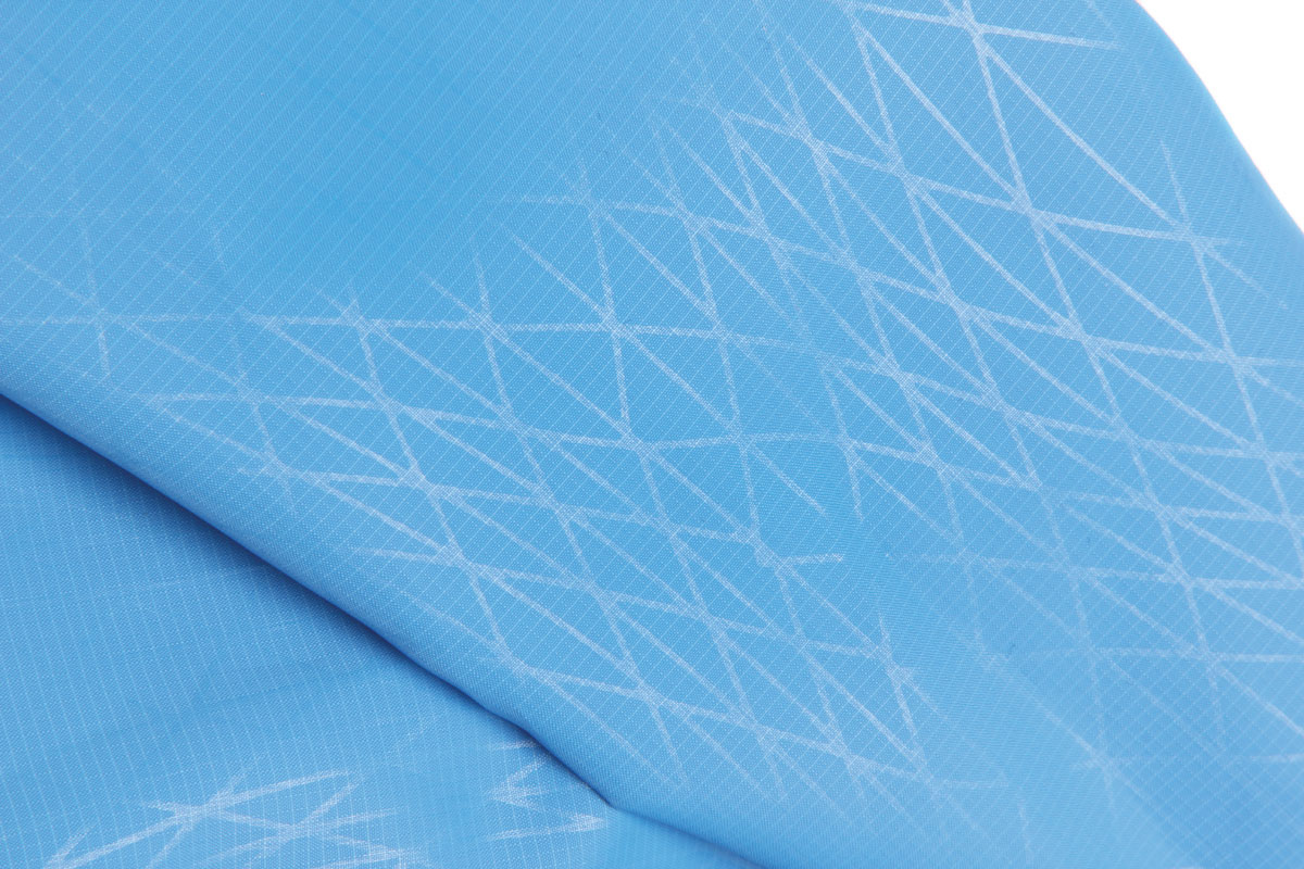 Ultra lightweight and windproof ripstop fabric