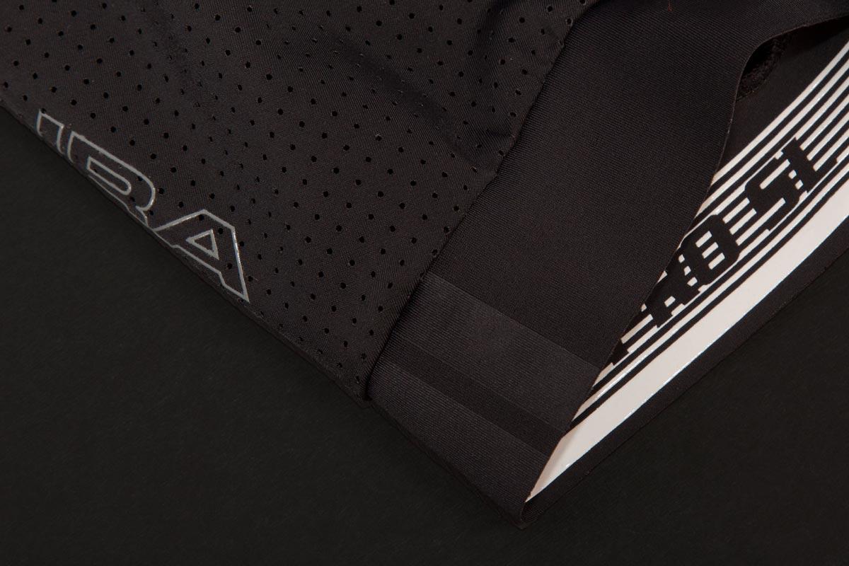 Raw edge hem with inner silicone print