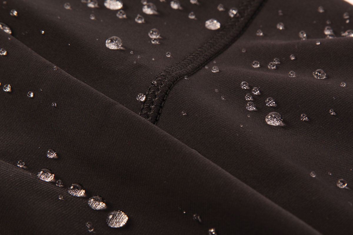THERMOLITE® with High Performance DWR treatment for ultimate weather comfort with durable water repellency