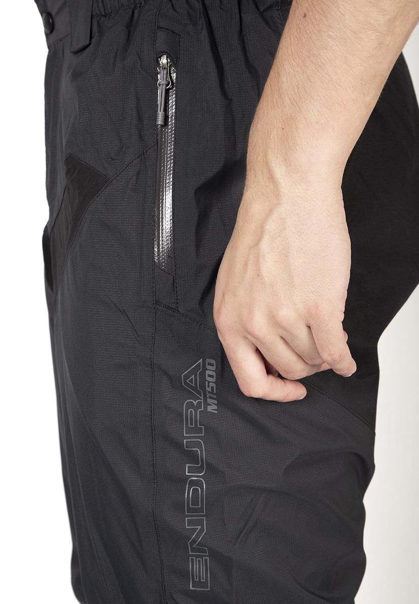 Zipped hand pockets