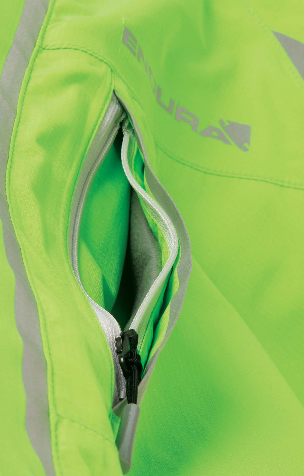 Outer shell features Zipped chest, handwarmer and rear pockets