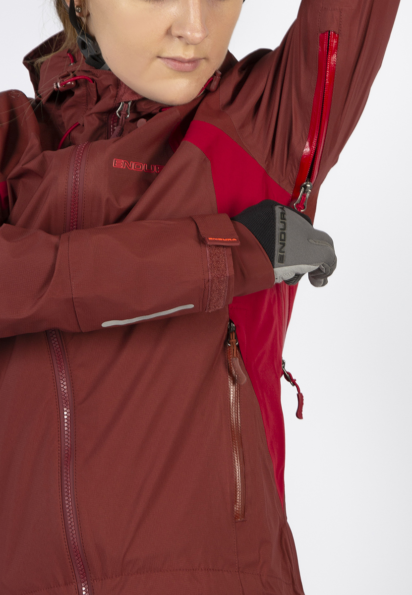 Ventilation by large underarm 2 way zipped vent extending onto back, compatible with backpack