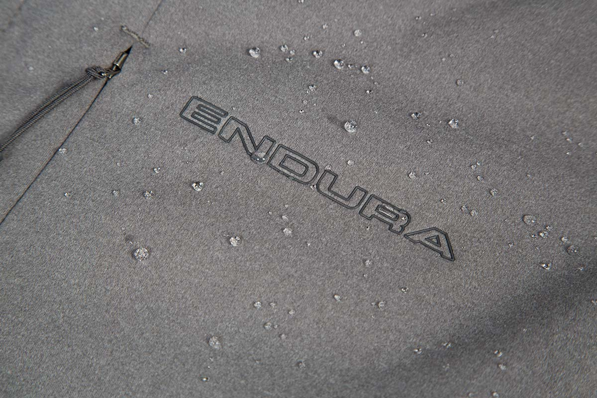 Windproof, breathable, high stretch 3-Layer softshell fabric with tough DWR finish